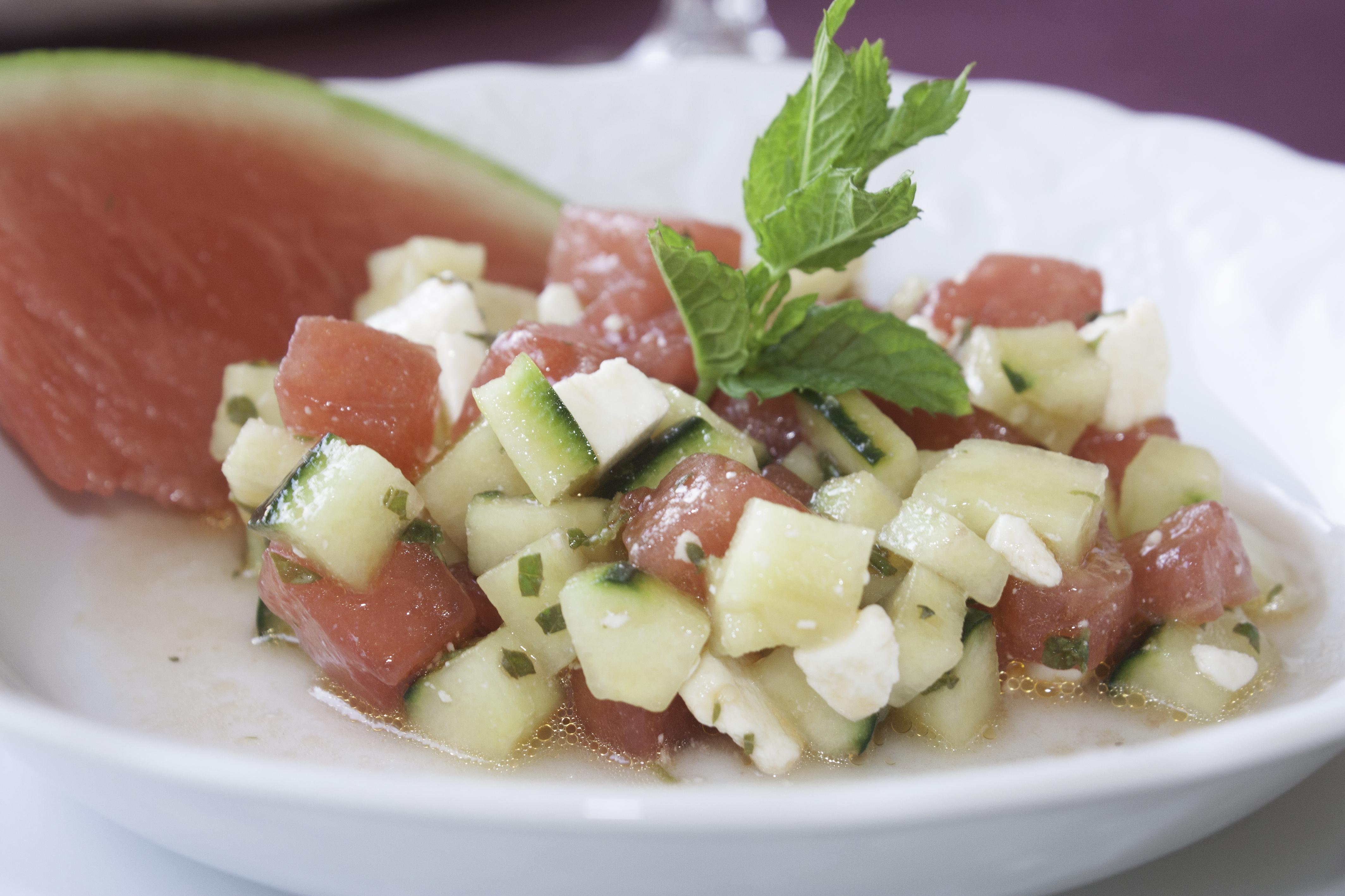 Salade crétoise à la pastèque, concombre et feta